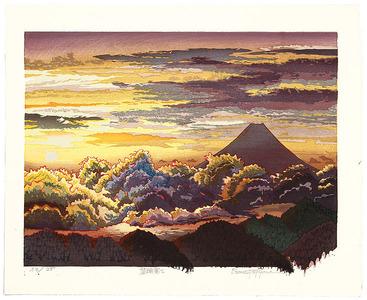 両角修: Sunrise at Mt. Fuji - Japan - Artelino