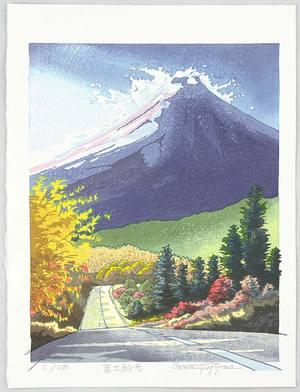 両角修: Evening Light at Mt. Fuji - Japan - Artelino